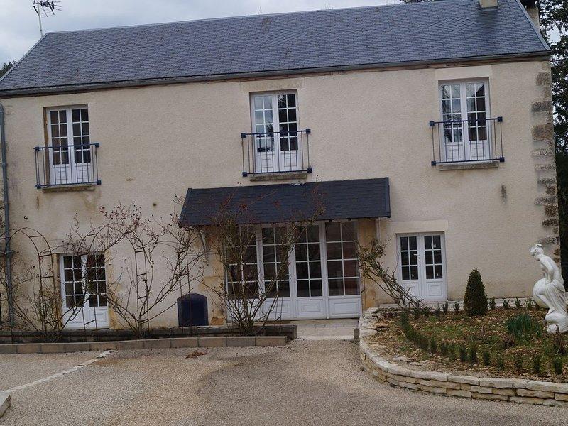 GITE en pleine campagne à DISSANGIS, holiday rental in Vault-de-Lugny
