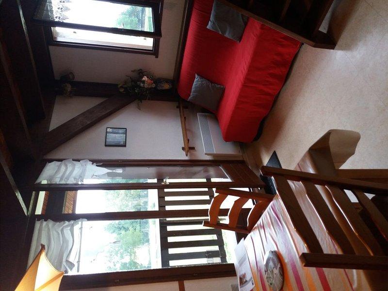 T2 Duplex 4-6 personnes, holiday rental in Merens-les-Vals
