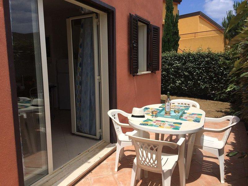 Appartement 1 chambre entièrement rénové dans résidence avec piscine commune, location de vacances à Palasca