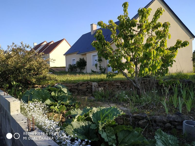 Maison 4 chambres + Terrasse, holiday rental in Le Manoir