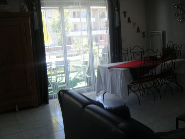 T 2 meuble banlieue de TOULOUSE (10mn cu centre ville), holiday rental in Aussonne
