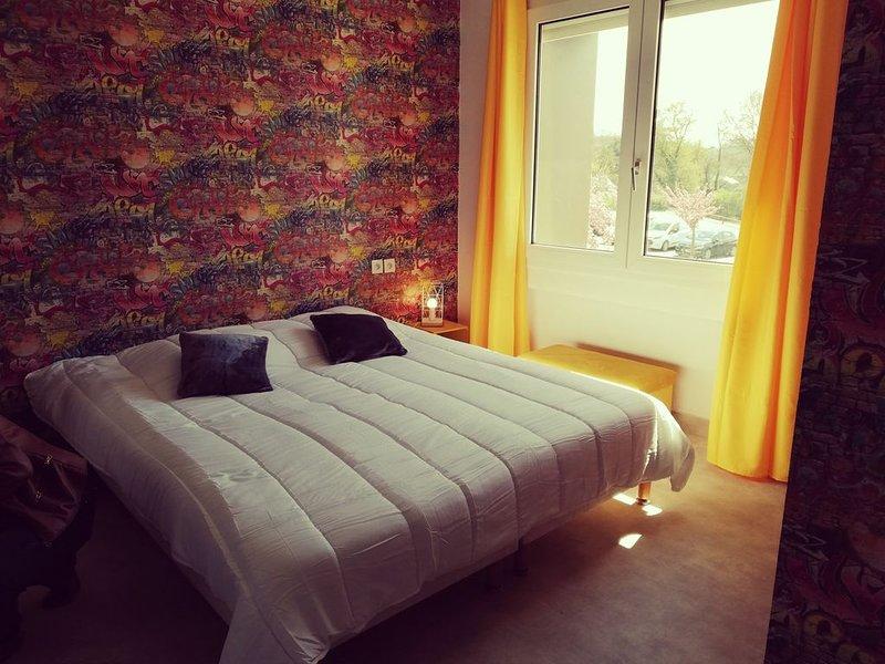 Grang appartement pour 14 personnes, holiday rental in Moncontour