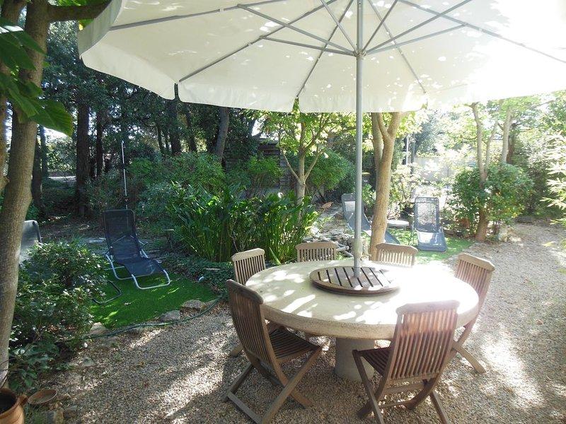 Villa avec étage et jardin, holiday rental in Le Thoronet