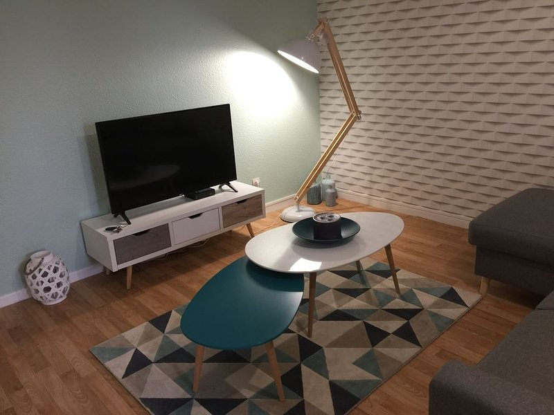 Appartement 50m² parking/terrasse/wifi à 15 minutes centre Strasbourg à pied, casa vacanza a Lampertheim