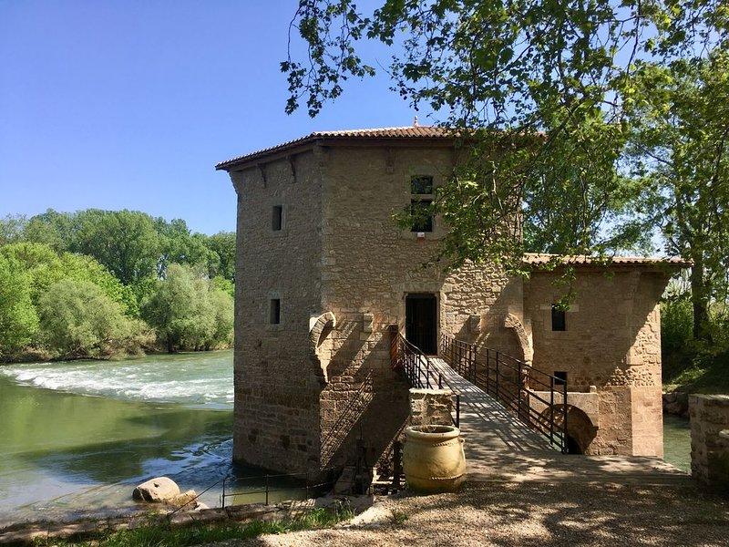 Moulin de Pezenas les pieds dans l'eau, aluguéis de temporada em Nezignan-l'Eveque