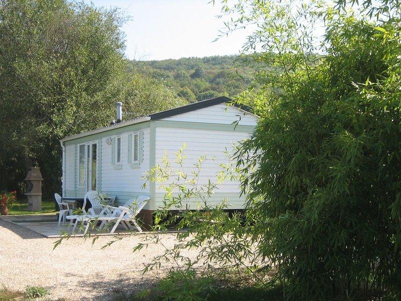 Passez des vacances au calme au coeur du Périgord noir-Dordogne près des Eyzies, casa vacanza a Audrix