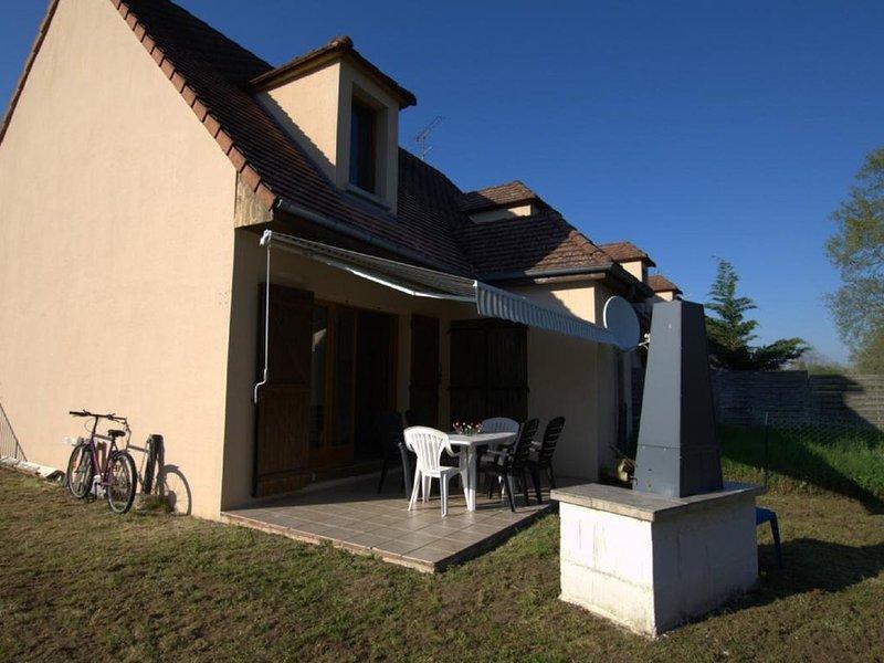 Gîte Le Port Mesnil -  Aux pieds du Lac et du Port, holiday rental in Clerey