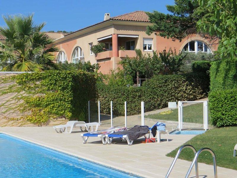 Aix-en-Provence Charmant studio avec jardin prive - piscine et tennis, vacation rental in Aix-en-Provence