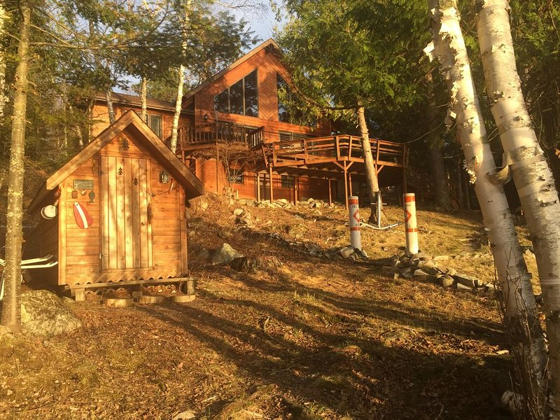 Vermilion Sunsets Cabin, holiday rental in Cook