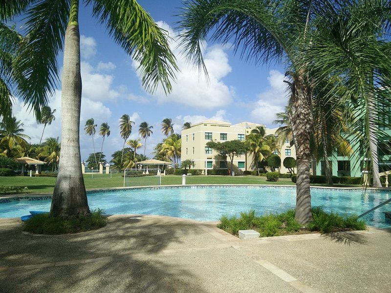 Popular 3BR Penthouse Condo with Upgrades - Must see!, holiday rental in Loiza
