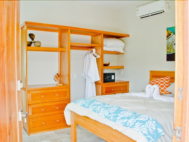 *Adults Only*Twisted Palm Villa-Coral Suite, alquiler de vacaciones en San Pedro