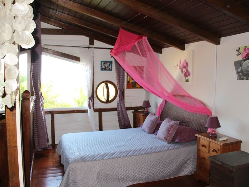 guest  cottage  in quiet and well kept  neighborhood WIFI, holiday rental in Le Gosier