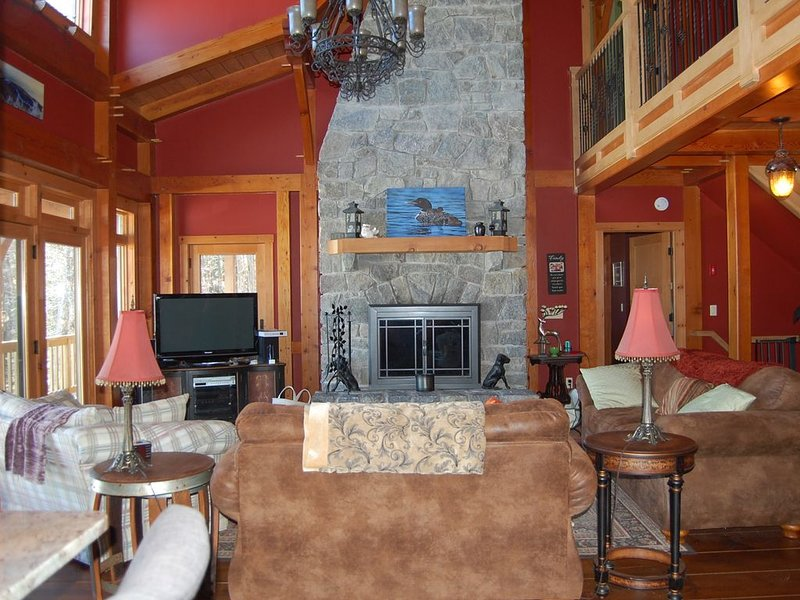 Lakefront Home Escape situated in quiet cove on Brant Lake, holiday rental in Adirondack