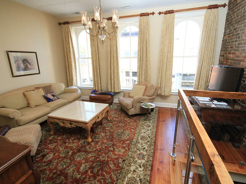 In the Heart of Historic Downtown Paris KY, holiday rental in Paris