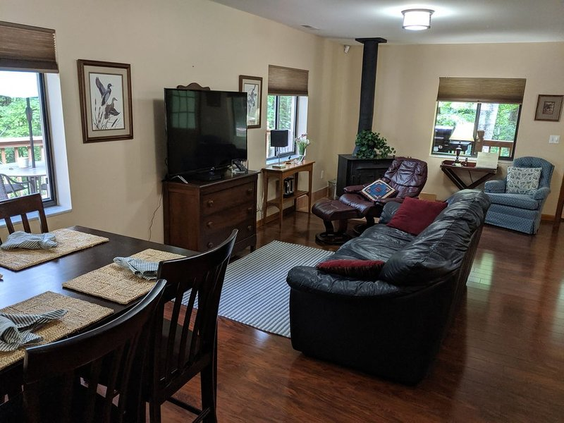 Woodridge--Entire House with 50+ acres for your enjoyment, Ferienwohnung in Andrews