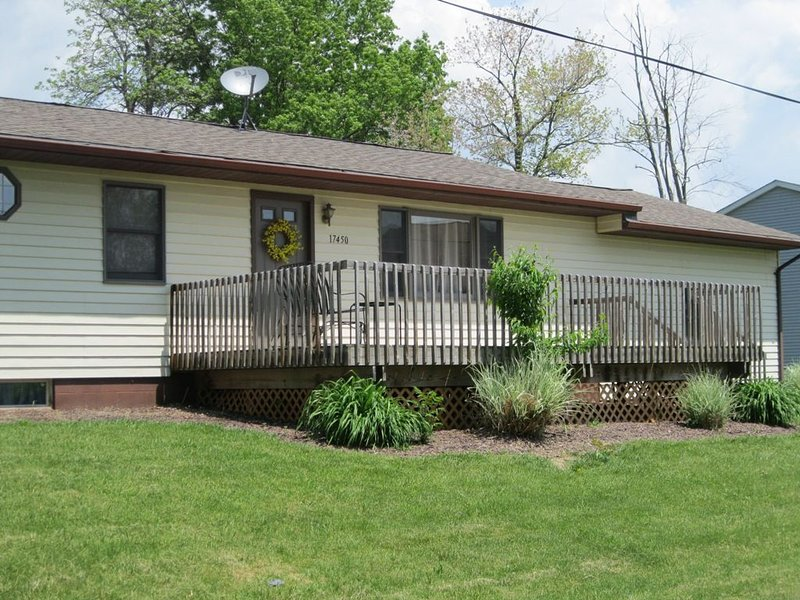 4 Bedroom Lake View Updated Vacation Rental Lake Milton, Oh, aluguéis de temporada em Youngstown