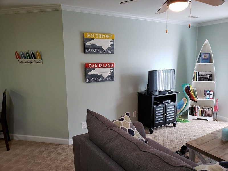 Relaxation awaits at the Bean Counter's Condo!, holiday rental in Long Beach
