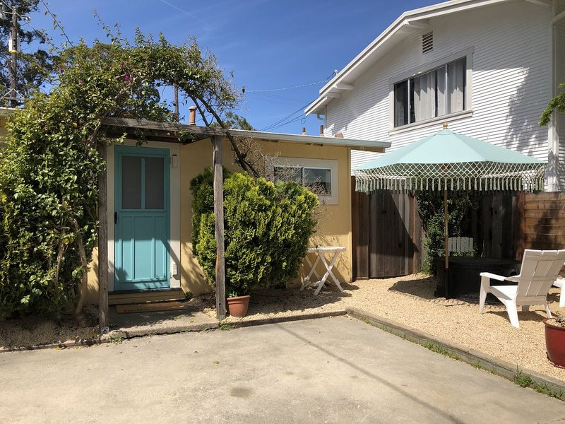 Beautiful Beach Bungalow!, holiday rental in Scotts Valley