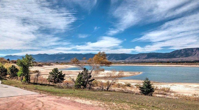 Fall Deals! Lake Front & Mountain Views - Hike! Mtn Bike! Tourist Attractions!, location de vacances à Monument