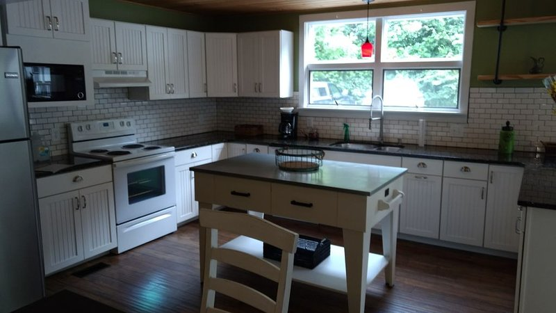 Well-Appointed, Mountain Retreat in Historic City., holiday rental in Duffield