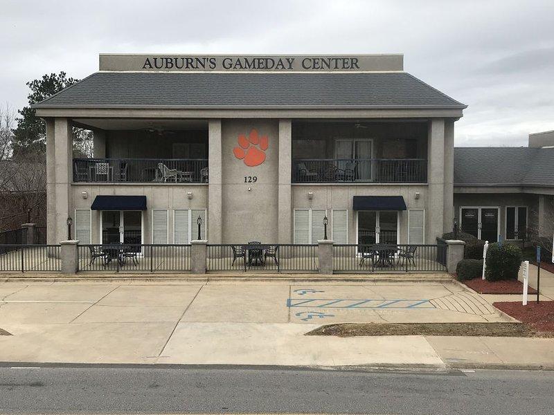 FABULOUS Condo Unit - Closest to AU Stadium, Arena & Plainsman Park!, aluguéis de temporada em Tuskegee