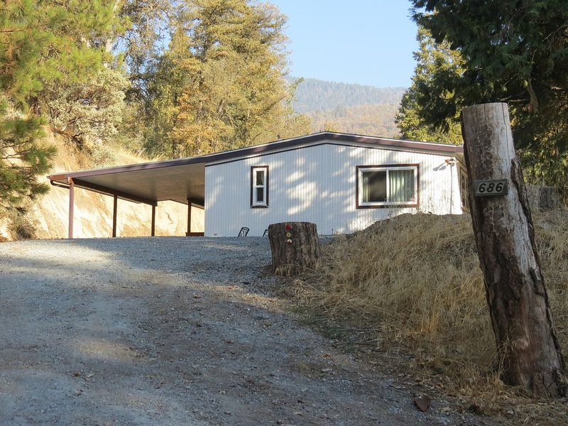 Pine Forest Getaway Vacation, vacation rental in Kernville