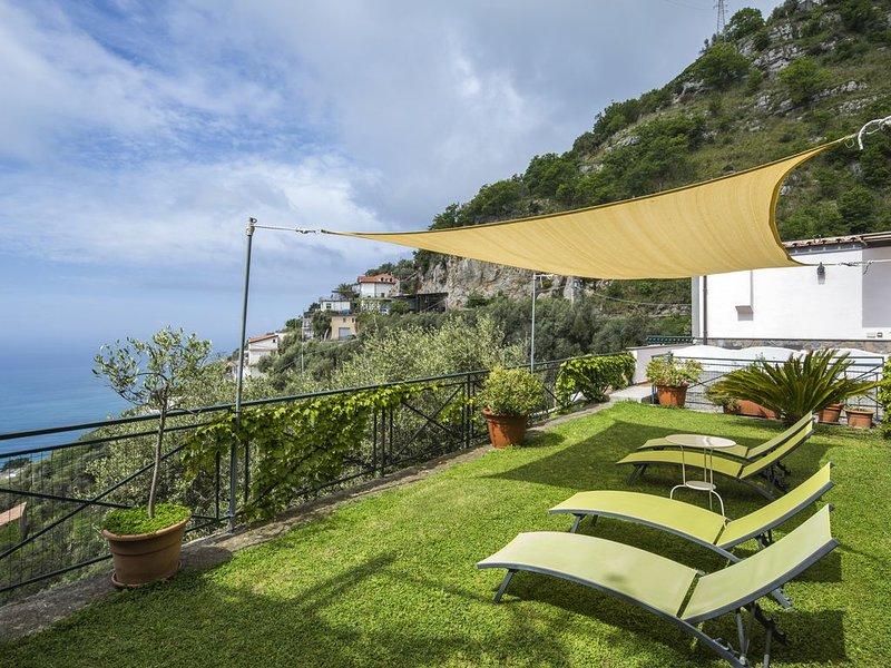 Amalfi Coast | House with private garden and sea view | Casa Locatelli, vacation rental in Fiordo di Furore
