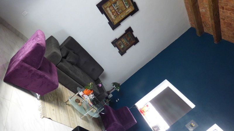 Just 3 blocks from Cathedral, fully restored, high ceilings and modern finishes., holiday rental in Cholula