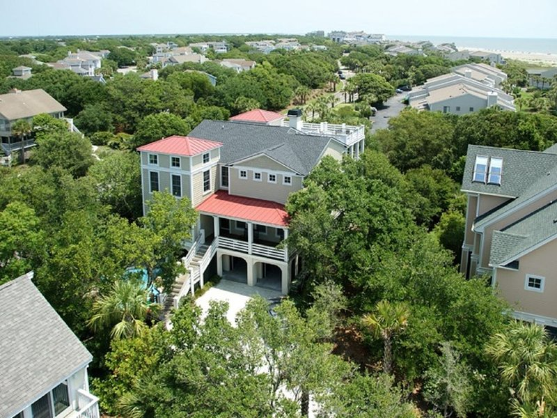Luxurious Beach Home w/ Ocean Views and Private Pool, vacation rental in Isle of Palms