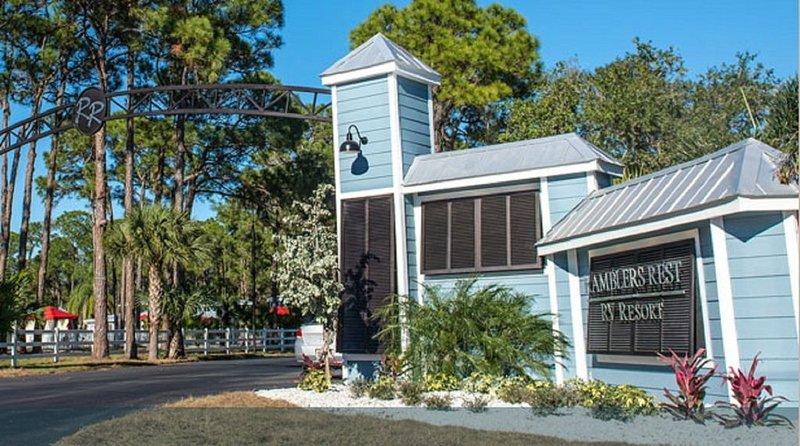 2BR Unit * Ramblers Rest Resort, Venice, FL along Myakka River, location de vacances à Venise