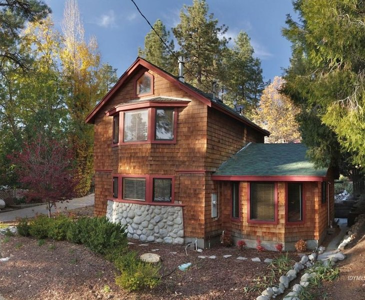 Gorgeous Farmhouse Cottage 2 bed 2 bath - Dog friendly - Fully fenced yard., alquiler de vacaciones en Idyllwild