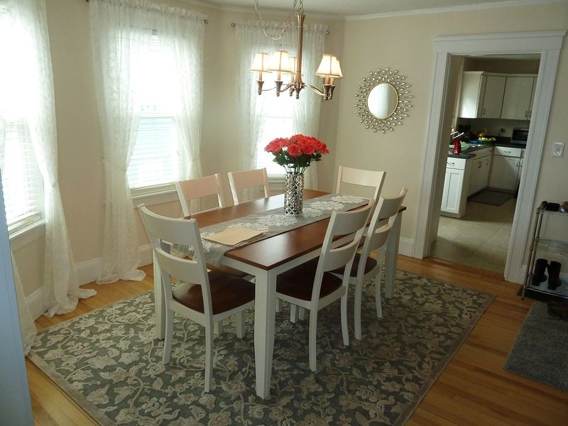 Portsmouth.  Beautiful 2 BR Condo. Great Location. Short Walk To Market Square., holiday rental in Greenland