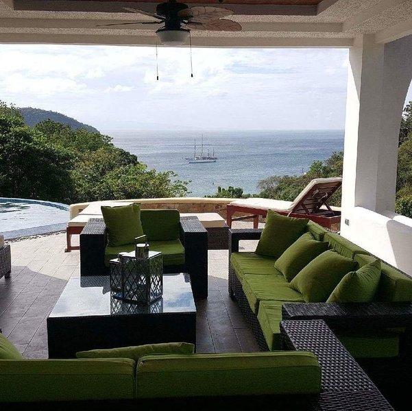 Spectacular Modern Home, At Exclusive Pacific Marlin, alquiler de vacaciones en Playa Maderas
