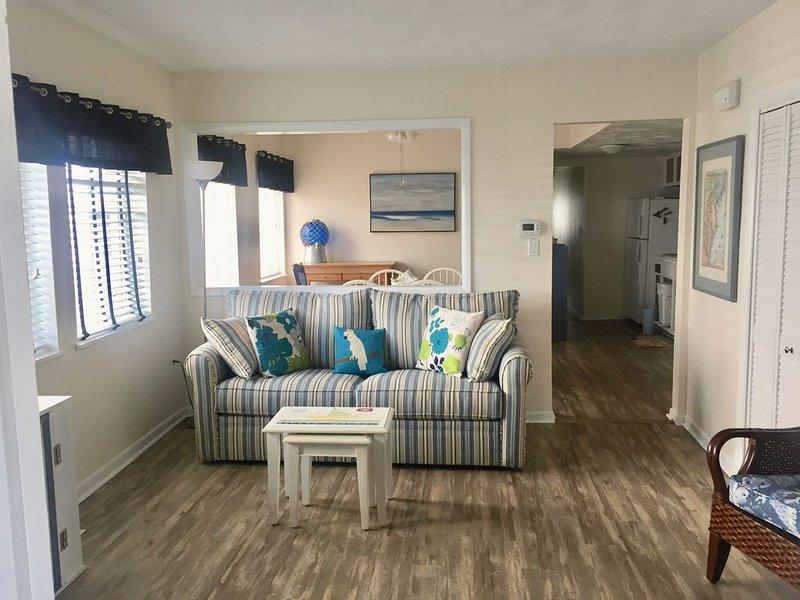 Dwtn Rehoboth 2BR, 1 BA, 1 Block to Beach/Boardwalk, includes Parking & Linens, alquiler de vacaciones en Rehoboth Beach