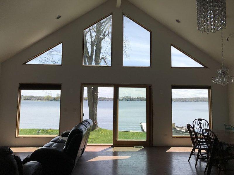 Lakefront 4 Bedroom Home on Pine Lake, location de vacances à Westville