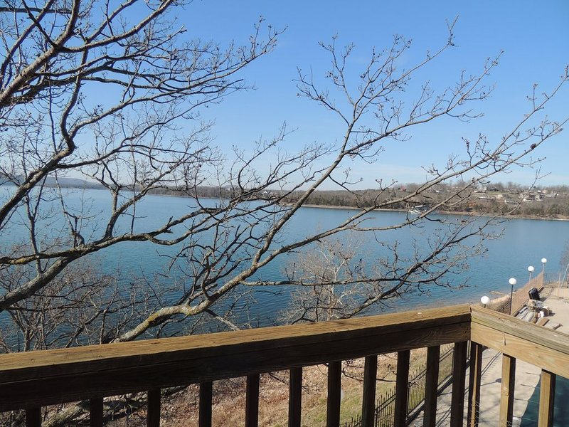 '  NEW'  Hamilton's Haven on the Lake #488 Low Fall & Winter Rates, holiday rental in Kimberling City