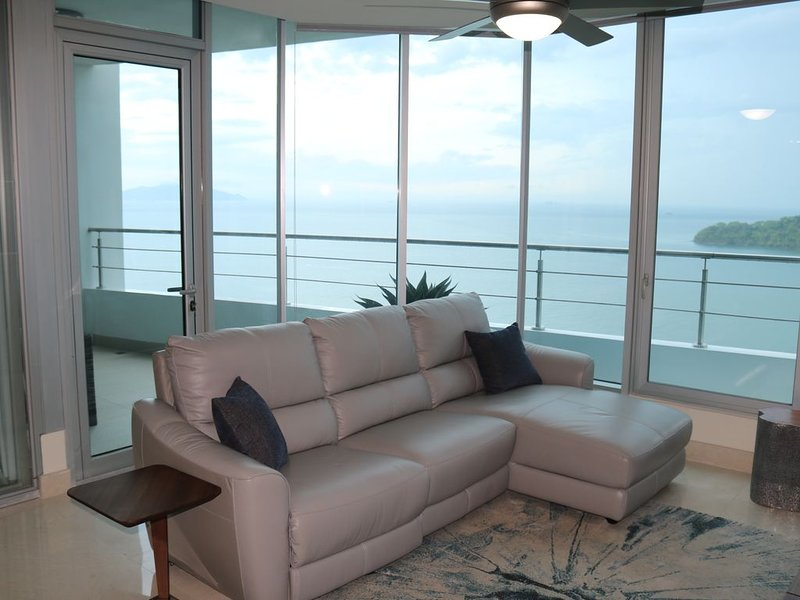 2 Bedroom Ocean View in Luxurious Resort, Panama City, Panama, location de vacances à Province de Panama