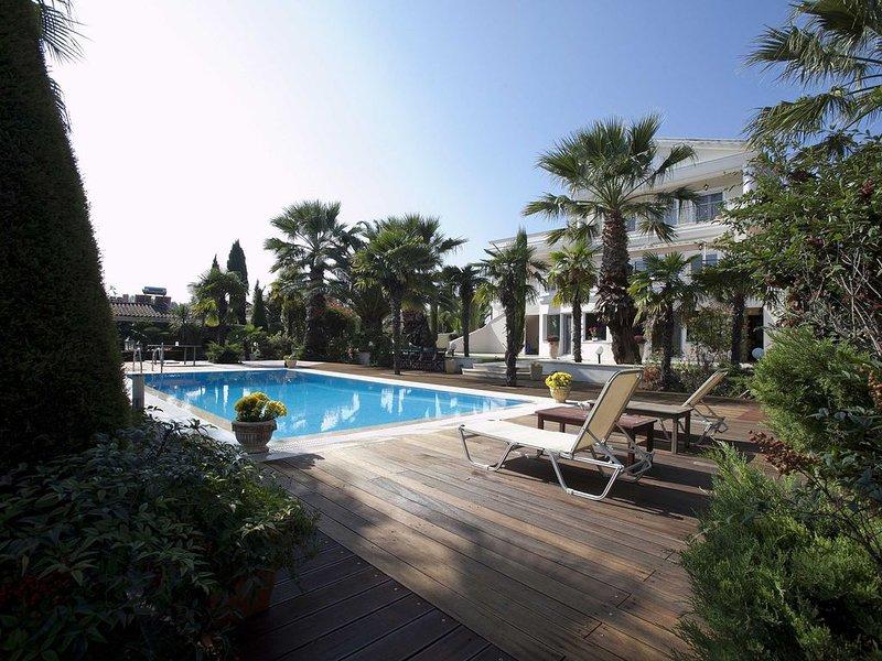 Villa Elena Perea Thessaloniki, location de vacances à Aggelochori