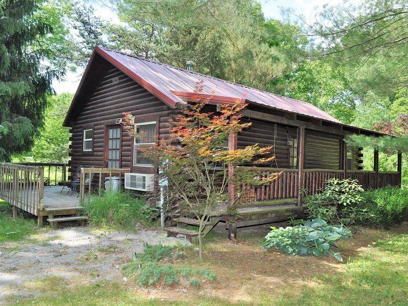 Little Redwood - New Hot Tub! - Hocking Hills, holiday rental in Logan