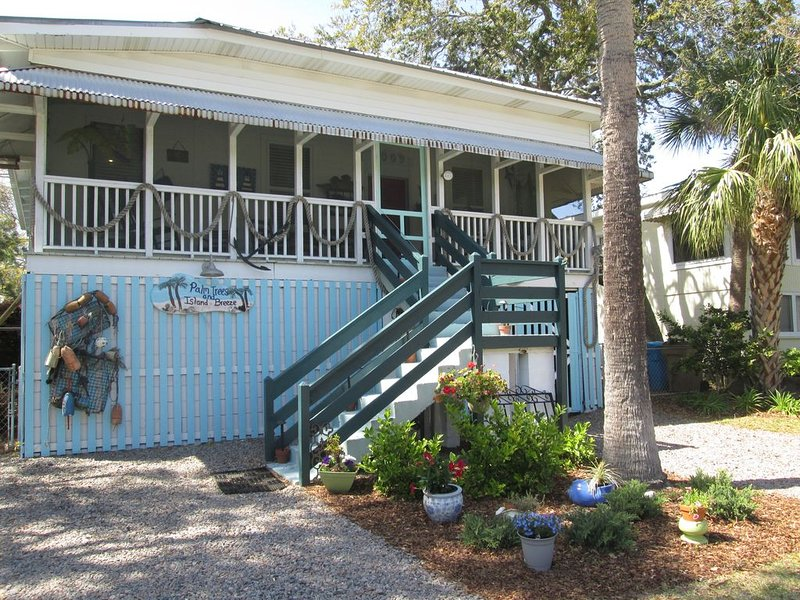 Historic raised Tybee cottage, very cool, comfortable and oh so Tybee!, location de vacances à Wilmington Island
