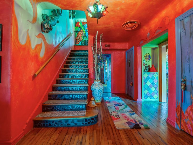 One of a kind unique art home near TTU & The Historical Depot Dist., location de vacances à Lubbock