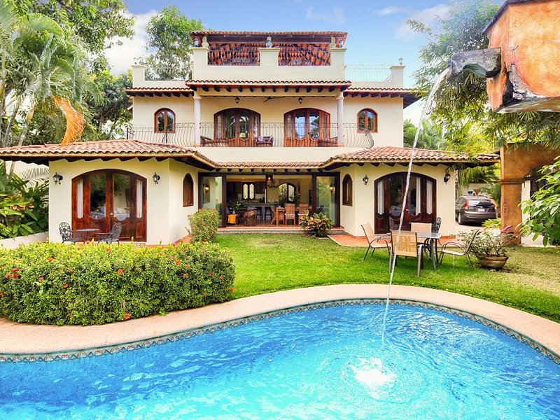 Stunning! New 2019 Remodel of Famous Villa... Steps to Beach and town., holiday rental in Sayulita