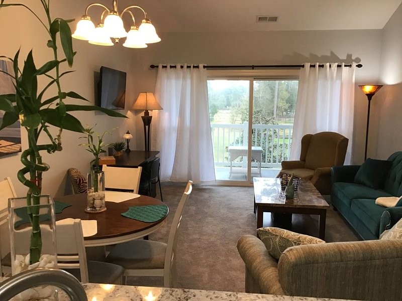 Myrtle Beach Home Away From Home 2br 2 bath Condo, vacation rental in Conway
