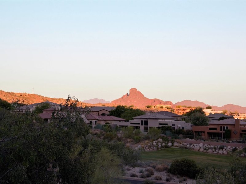 Casita in Private Residence on beautiful Eagle Mountain Golf Course, alquiler de vacaciones en Fountain Hills