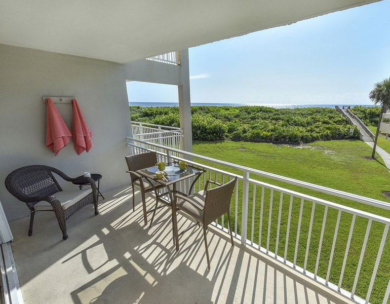 Oceanfront vacation condo, stunning views, beautifully renovated 2 bed 2 bath, holiday rental in Stuart