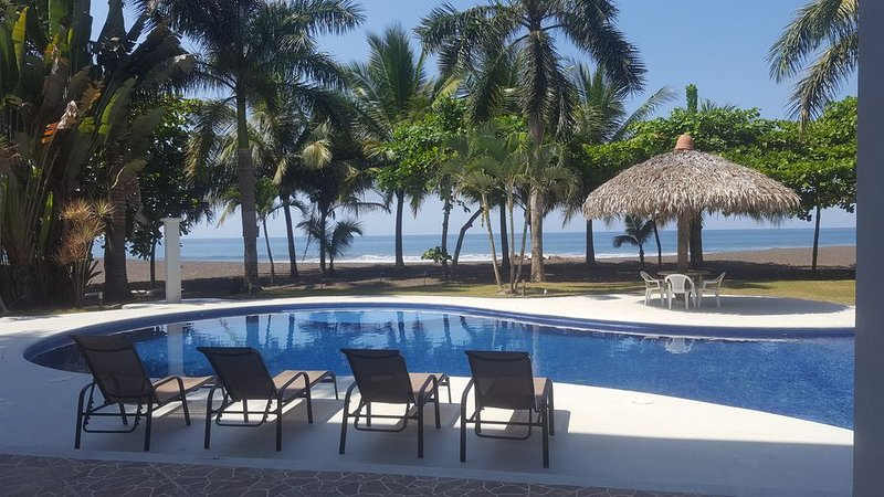 Perfect For Weddings, Large Groups, Bachelor Parties, Or Family Reunions, alquiler de vacaciones en Playa Hermosa
