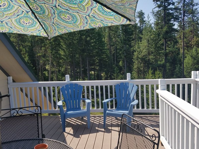 Watch the 'wintering moose' from your private deck!, holiday rental in Kila
