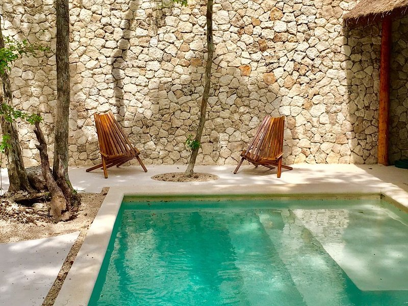 Beautiful Luxury Villa in Tulum, Private Pool and BBQ, vacation rental in Tulum