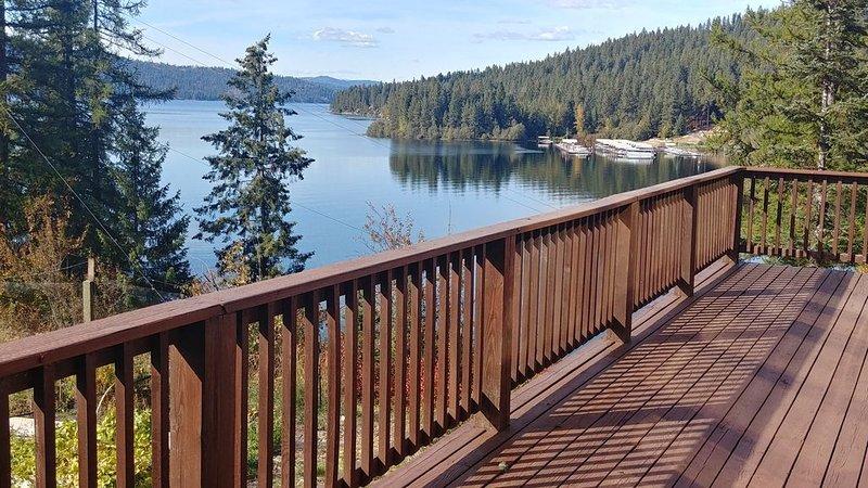 Carlin Bay Retreat on Lake Coeur d'Alene, holiday rental in Worley