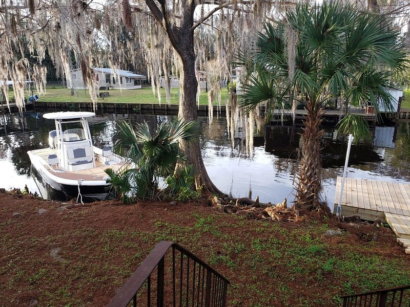 It's all about the water-come on!, vacation rental in Satsuma